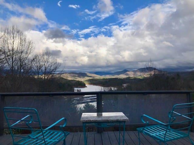 NC Lake Hiwassee Home w/Dock and Beautiful View