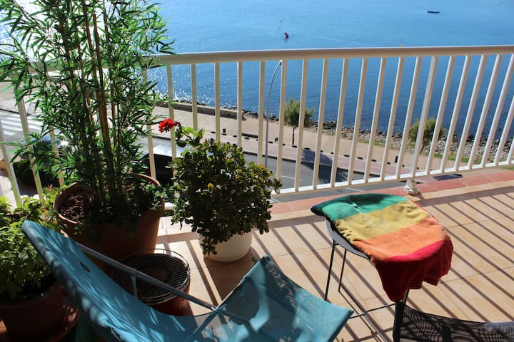 Wonderful sea view apartment La Paloma, l'Escala.
