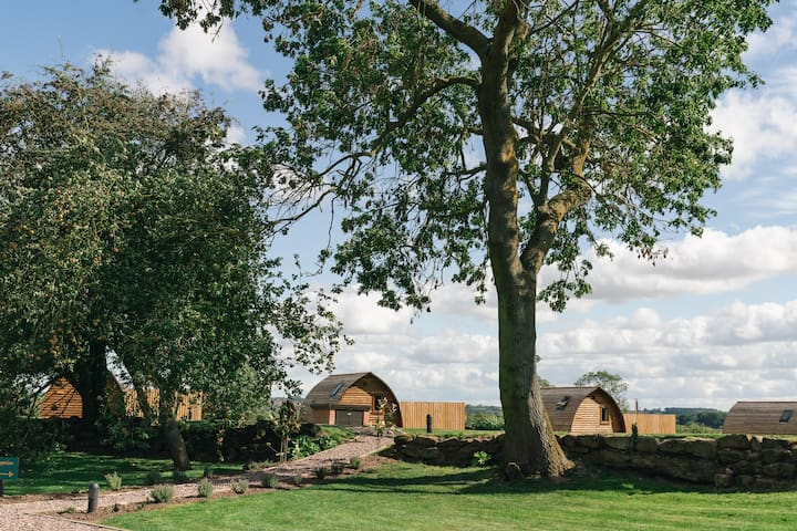 Wigwam Holidays Saxon Meadow Luxury Cabin & HotTub