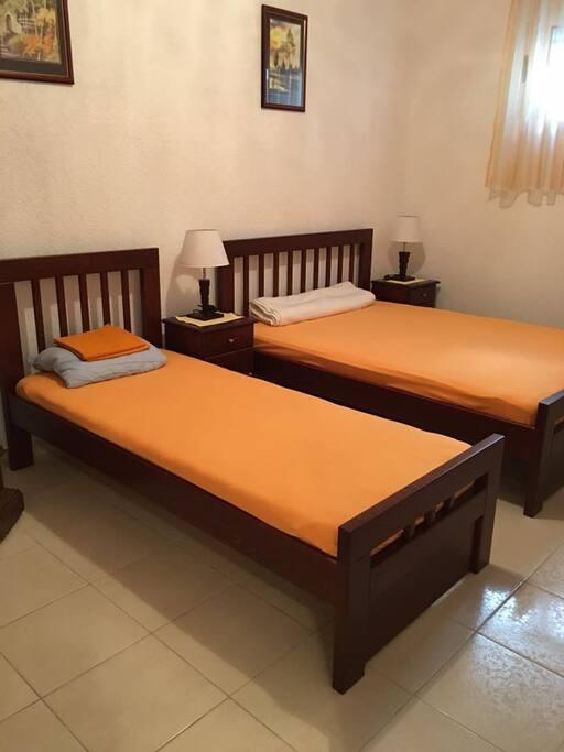 спальня, 2-х спальная кровать +односпальная