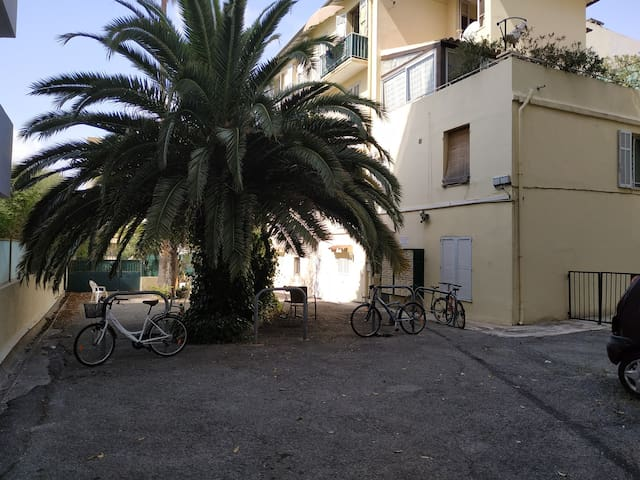 Cosy Studio Mezzanine Antibes (near Juan Les Pins)