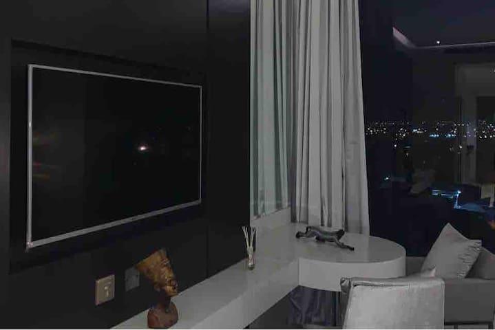 Damac paramount hotel - studio