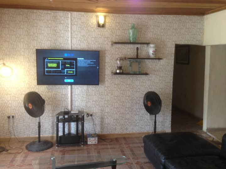 Classy and spacious 2 bedroom apartment in GRA