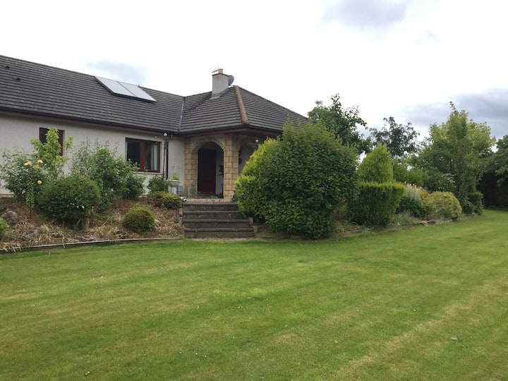 Riverview House, Beauly - centre of the village