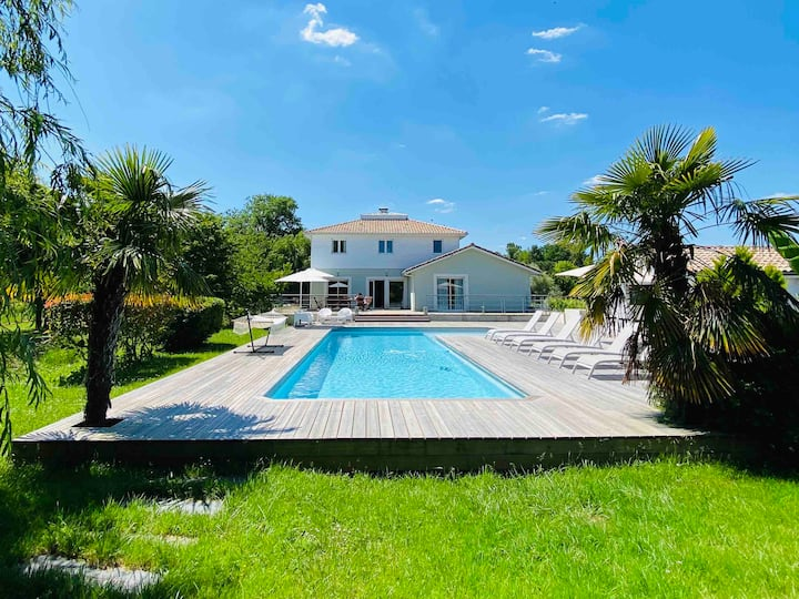 Villa for 12 persons near Saint-Emilion & Bordeaux