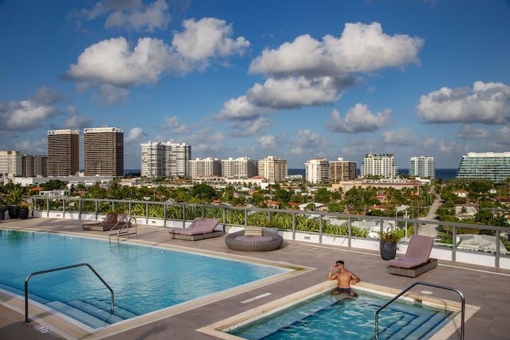 Water views and Rooftop pool | 2 bedroom apartment