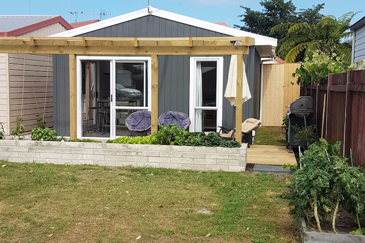 Papamoa Beach Hut - Papamoa - Huoneisto