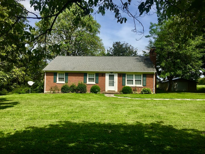 Ready 4 Keeneland, house near town/country setting