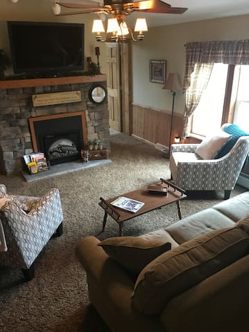 private living area with cable tv
