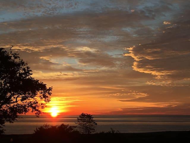 MARSHFIELD REXHAME BEACH HOUSE BRILLIANT SUNRISES