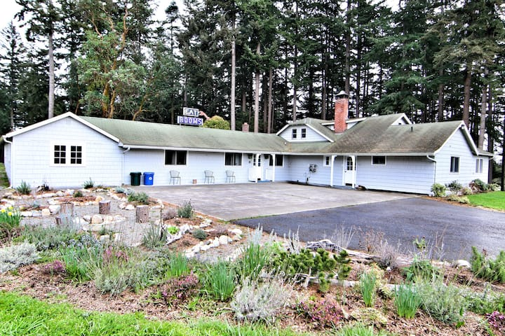 Mount Baker Farm Getaway