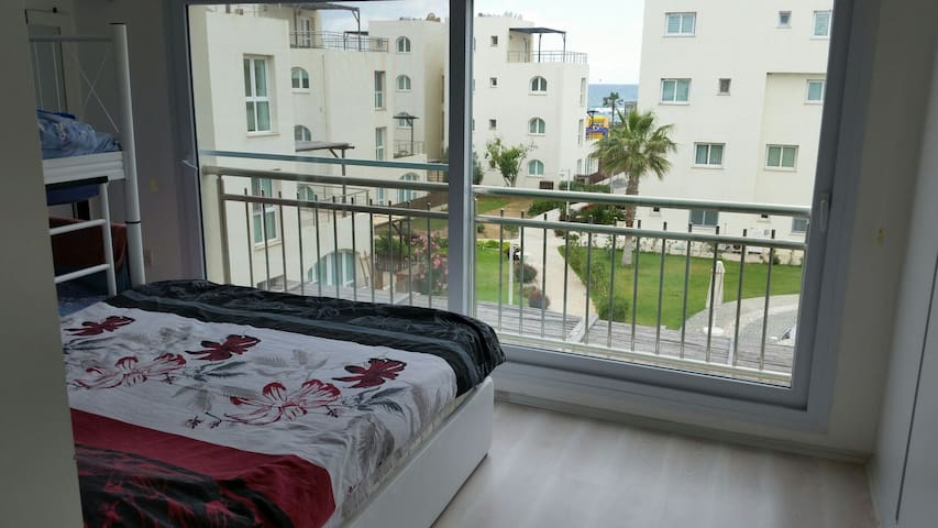 The sunny appartment (2 bedroom) - Gaziveren - Wohnung