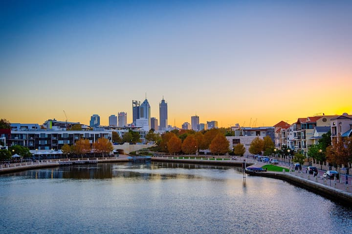 Riverside CBD, Stroll to East Perth Cove & City - East Perth - Apartment