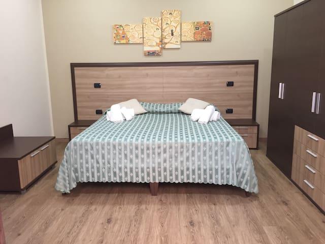 Camera da letto matrimoniale/ doppia con bagno