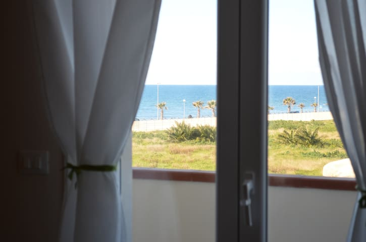 Vista del Mare dalla camera da letto