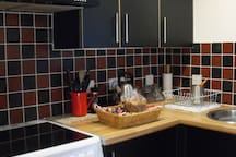 Well equipped modern fitted kitchen