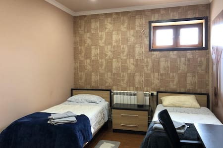 Private room in spacious house in Jrvezh