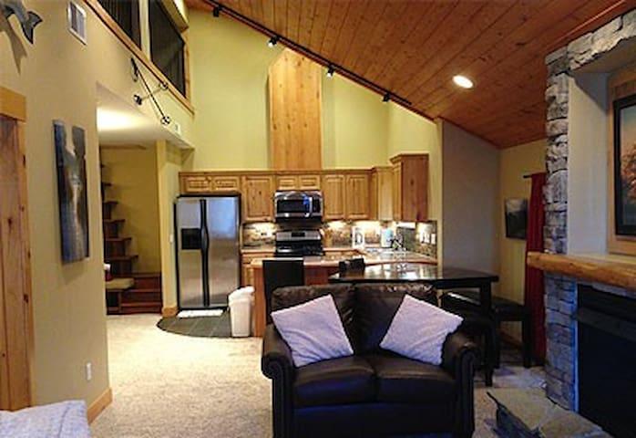 Silver Mtn Ski Bike Getaway Condo - Kellogg - Apartment