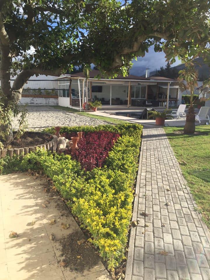 Paradisiacal Villa-Quinta Quito, ECU