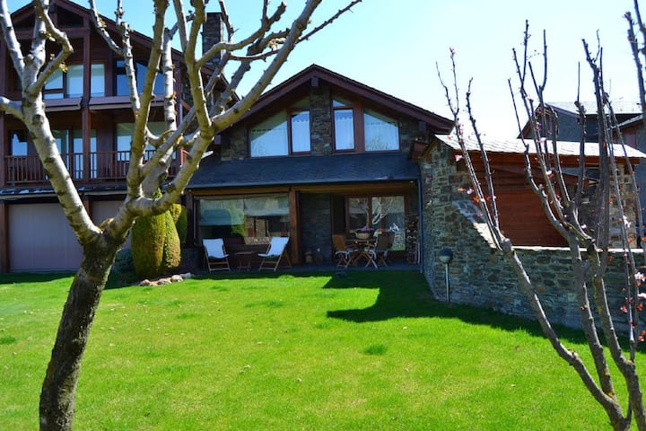 TOWN HOUSE IN SORIGUEROLA-FONTANALS I