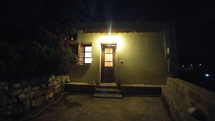 Vila Kastro - Kremasti - Casa