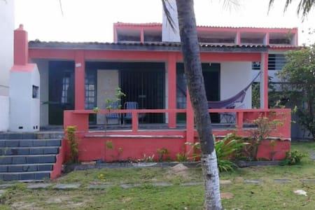 Casa gde à beira mar- Ens. Golfinhos- Itamaracá-PE