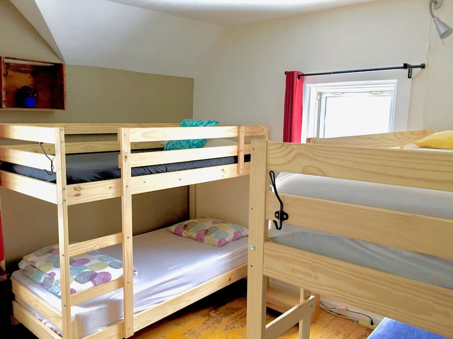 4-bed shared dorm