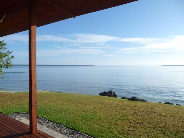 SAILS BEACH HOUSE, Huge Waterfront Island Home