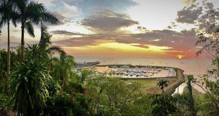 Sunset Lover - crazy view for 2 at Cerro Quepos