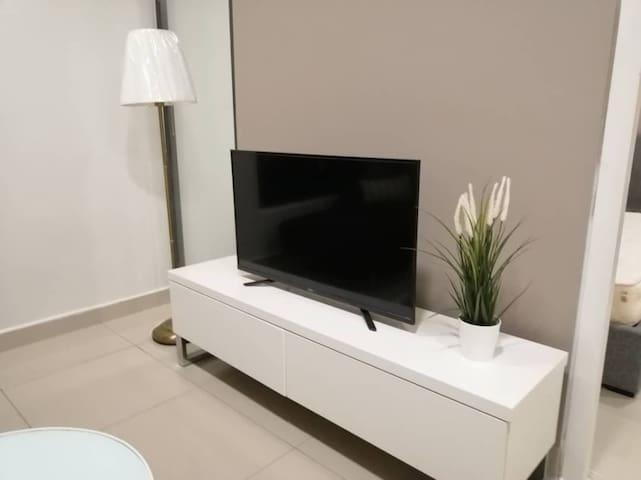 Simple , Cheap & Cozy Apartament @ Eclpise
