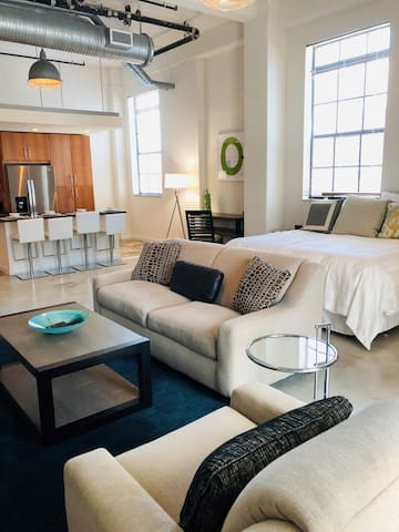 Luxurious studio in The Exchange Lofts!