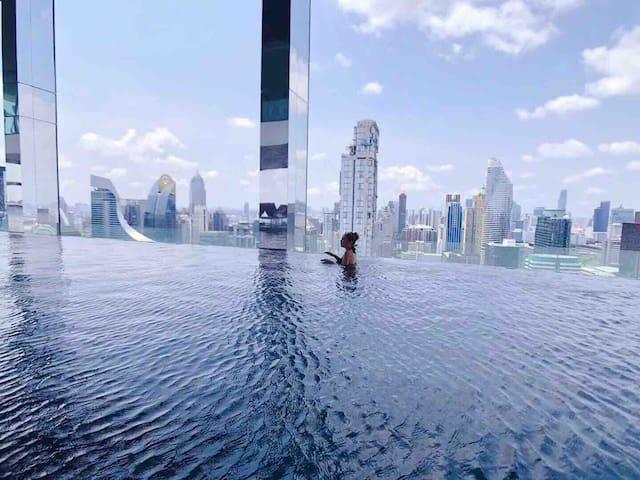 曼谷最中心 360度sky无边际泳池 绝佳地段无敌夜景 central world 四面佛 Siam