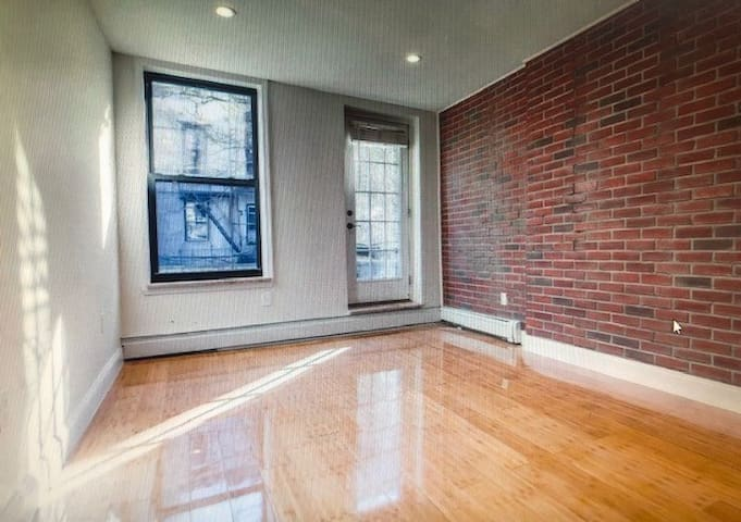 **Waterfront Entire Apartment w Balcony!**