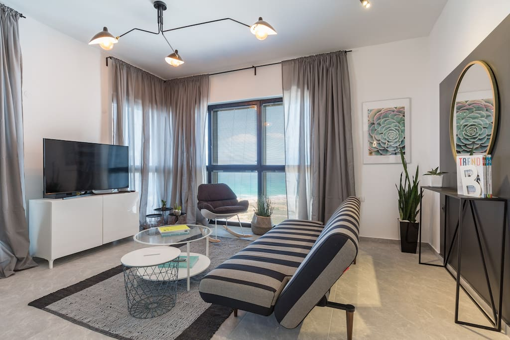 3 Bedrooms, 2 Bath sleeps Ocean View Bat Yam, Center District, Israel