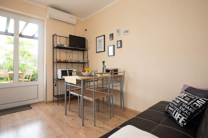 Apartmani Magaš * DAVOR 1/2* - Vrbnik - Apartamento