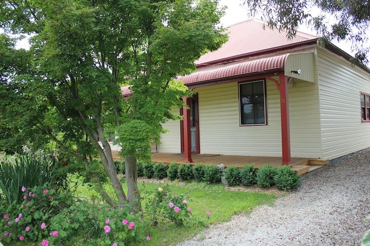 Millthorpe Cottage 18