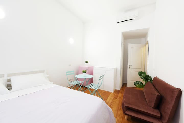 New! Lovely & Friendly in Milan Center C