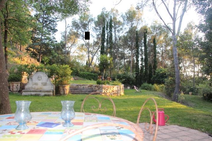 Location saisonnière Le Tholonet/Aix en Provence - Le Tholonet - House