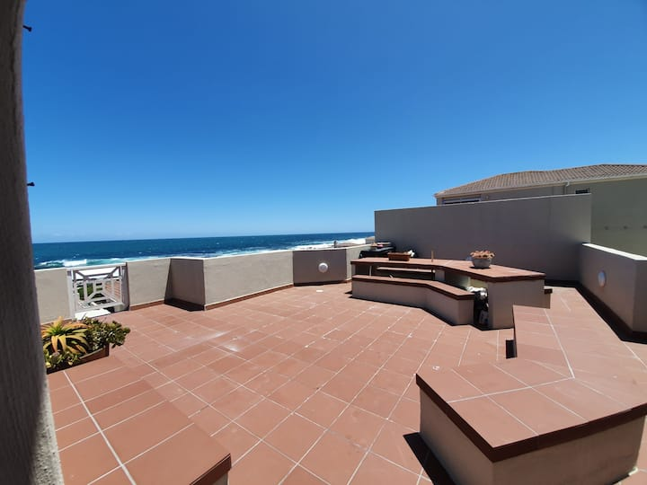 Penthouse with perfect sea views in Hermanus