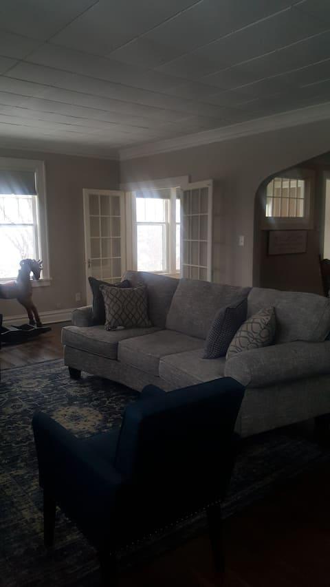 Apartamento espaçoso de um quarto em Superior