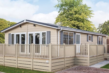 2 Bedroom Signature Lodge at Woodlands Park - Hastings - 木屋