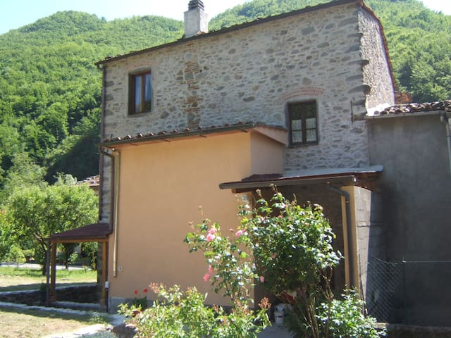 """Nonna Mae"". An apartment in the middle of nature - Bagni di Lucca  - Leilighet"