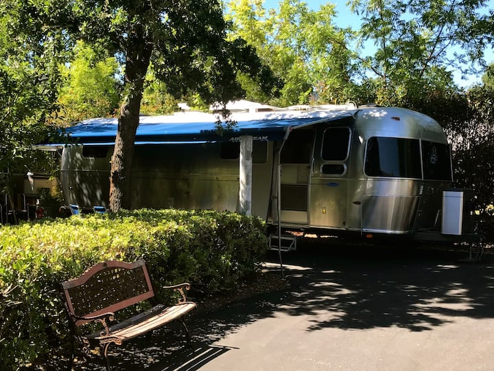 Cozy Airstream Trailer~Sonoma County Wine Country