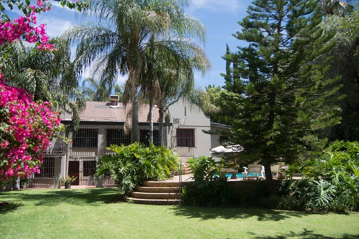 Islandview House - Upington - Bed & Breakfast