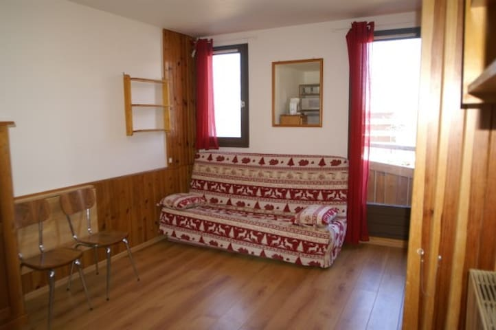 Studio 3 couchages avec balcon rés. Edelweiss - Les Adrets - Hotellipalvelut tarjoava huoneisto