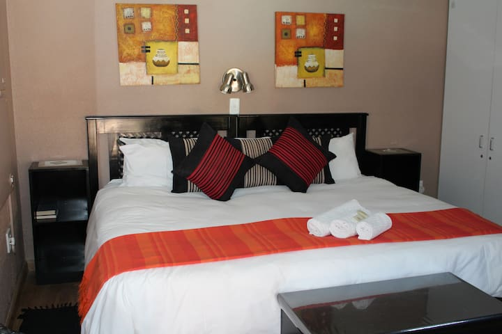 Akweja B&B Accommodation (4 STAR GRADED)