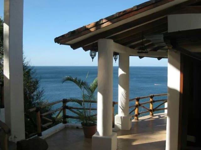 Casa La Joya - A Golden Experience
