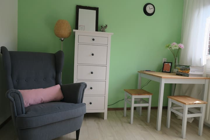 B&B in Ede - comfortable guest room - Ede