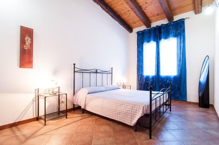 Piacevole mini appartamento Ortensia con piscina