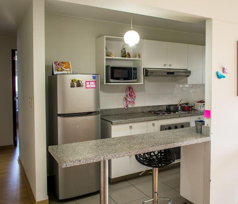 Kitchen & Laundry/ Cocina y lavandería